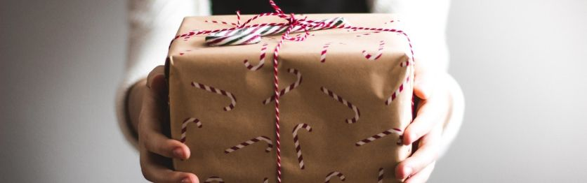 How to transform business relationships through thoughtful corporate gifting?